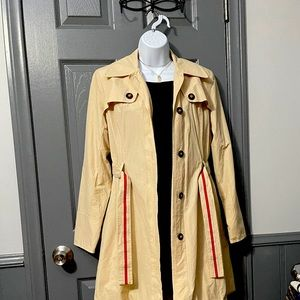 Cute Trench coat.